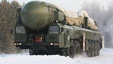 Ракетный комплекс Тополь движется на пункт постоянной дислокации в ракетных войсках стратегического назначения ЦВО. Архивное фото