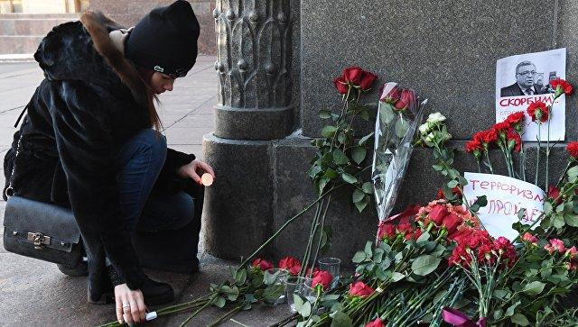 Додон оставил запись в книжке соболезнований посольства Российской Федерации
