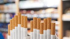 Продажа сигарет в магазине. Архивное фото