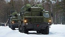 Пусковые установки зенитной ракетной системы С-400 Триумф. Архивное фото