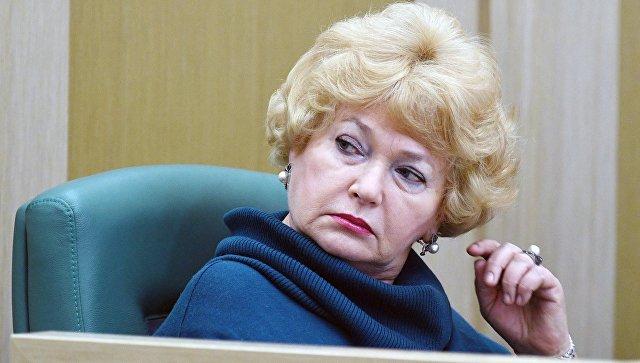 Член Совета Федерации РФ Людмила Нарусова на заседании Совета Федерации РФ. Архивное фото