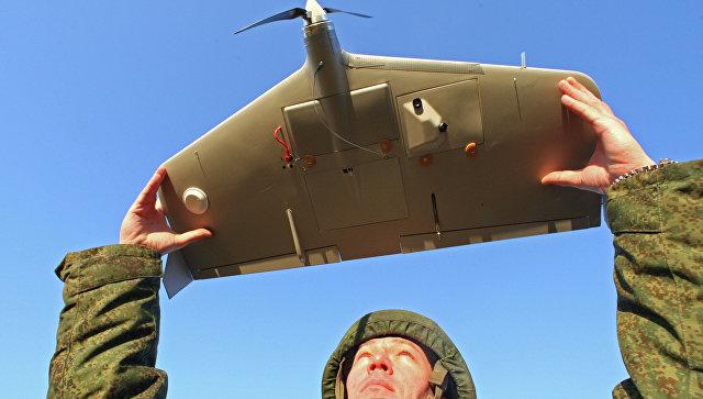 Обучение военнослужащих работе с беспилотным летательным аппаратом Груша. Архивное фото