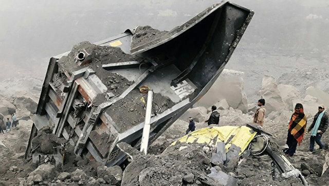 Обрушение шахты на угольном руднике в индийском штате Джаркханд. 30 декабря 2016