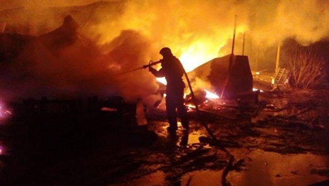 ВКрымске пламенеют гаражи
