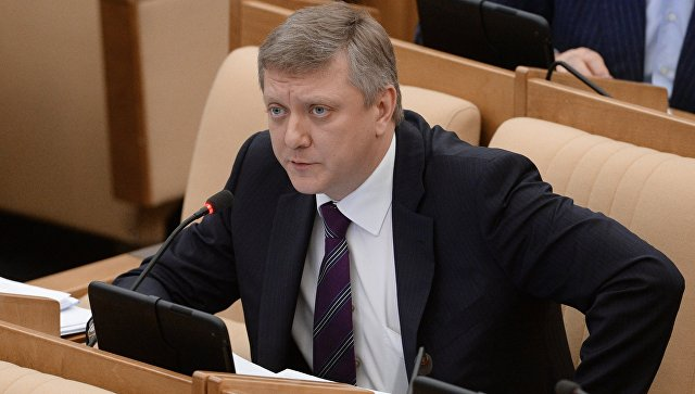 Заместитель председателя комитета Государственной Думы РФ Дмитрий Вяткин. Архивное фото