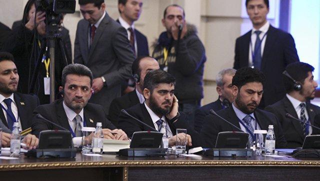 Один из руководителей вооруженной группировки Джейш аль-Ислам Мухаммед Аллюш на переговорах в Астане. 23 января 2017 года