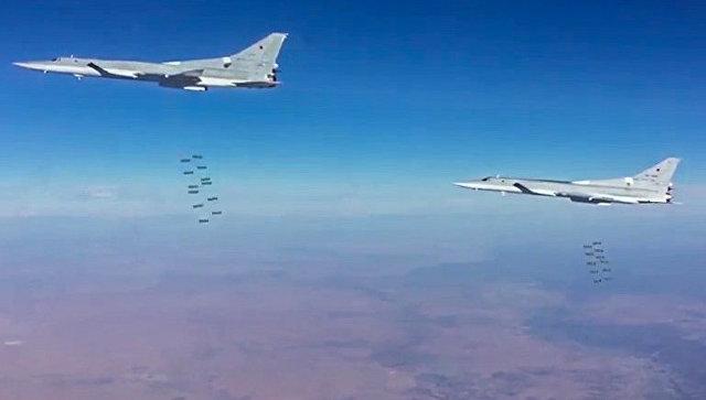 Сверхзвуковые стратегические бомбардировщики-ракетоносцы ВКС РФ в Сирии. Архивное фото