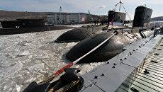 Дизельная подводная лодка Комсомольск-на-Амуре проекта 877 Палтус во время торжественной церемонии ввода в боевой строй Тихоокеанского флота после ремонта и модернизации
