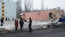 Последствия ночного обстрела в Калининском районе Донецка. Архивное фото