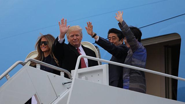 Трамп иАбэ провели «расслабленный ипродуктивный день» заигрой вгольф