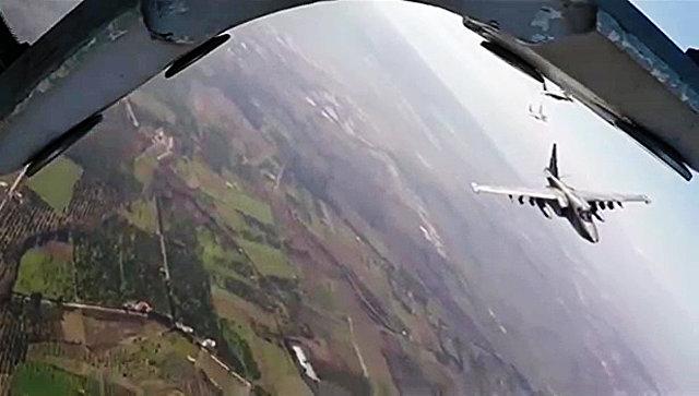 Боевые вылеты самолетов Су-25 ВКС России в сопровождении сирийских самолетов МиГ-29. Архивное фото