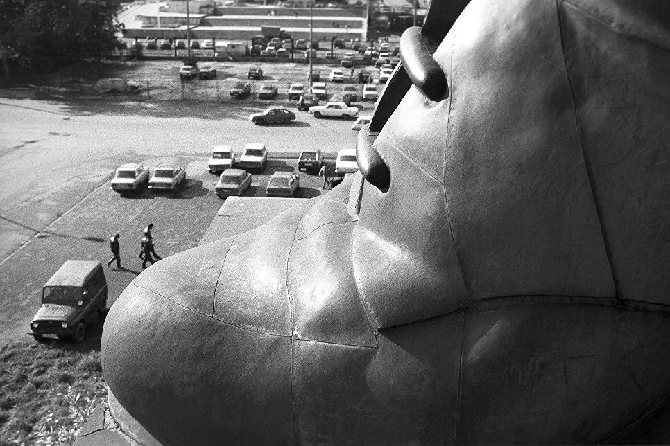 Из проекта Советские монументы 1988-2000