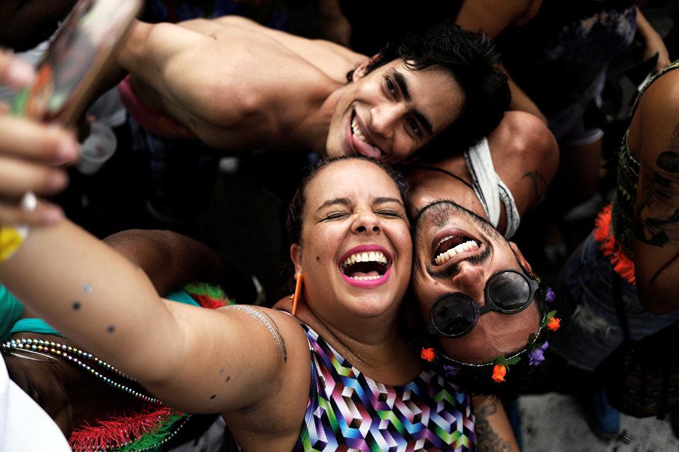 Селфи на карнавале в Латинской Америк, Бразилия