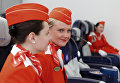 Стюардессы на занятиях в Негосударственном образовательном учреждении Авиационная школа Аэрофлота