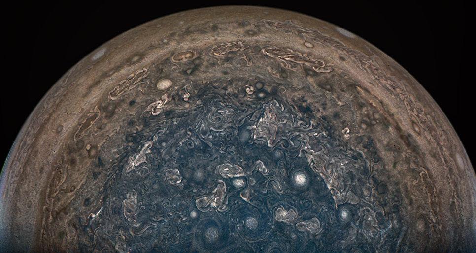 Шторм на Юпитере, фотография с зонда Juno
