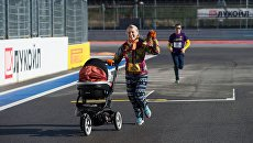 Участники легкоатлетического забега по трассе Гран-при России Формулы-1 в Сочи