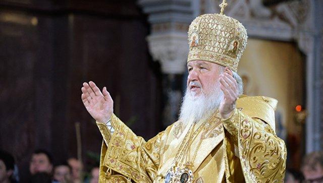Патриарх Московский и всея Руси Кирилл во время Рождественского богослужения в храме Христа Спасителя в Москве.