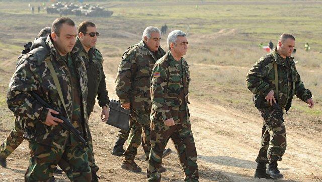 Президент Республики Армения Серж Саргсян во время посещения НКР. Архивное фото
