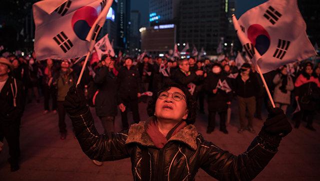 ВСеуле начались демонстрации приверженцев ипротивников президента Кореи