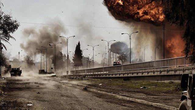 Бомбежка Мосула. Архивное фото