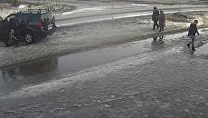 В Приозерске водитель наехал на ребенка, расстрелявшего его машину