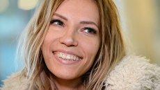 Певица Юлия Самойлова, представитель России на международном песенном конкурсе Евровидение-2017, в аэропорту Шереметьево. Архивное фото