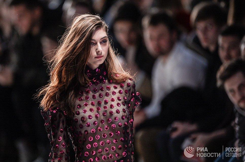 Весенний сезон Мерседес Бенс  Fashion Week Russia прошел встолице