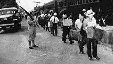 Интернирование японцев в США. 1942 год