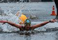 Участница международного заплыва Возрождение традиции зимнего плавания в Петропавловской крепости Санкт-Петербурга