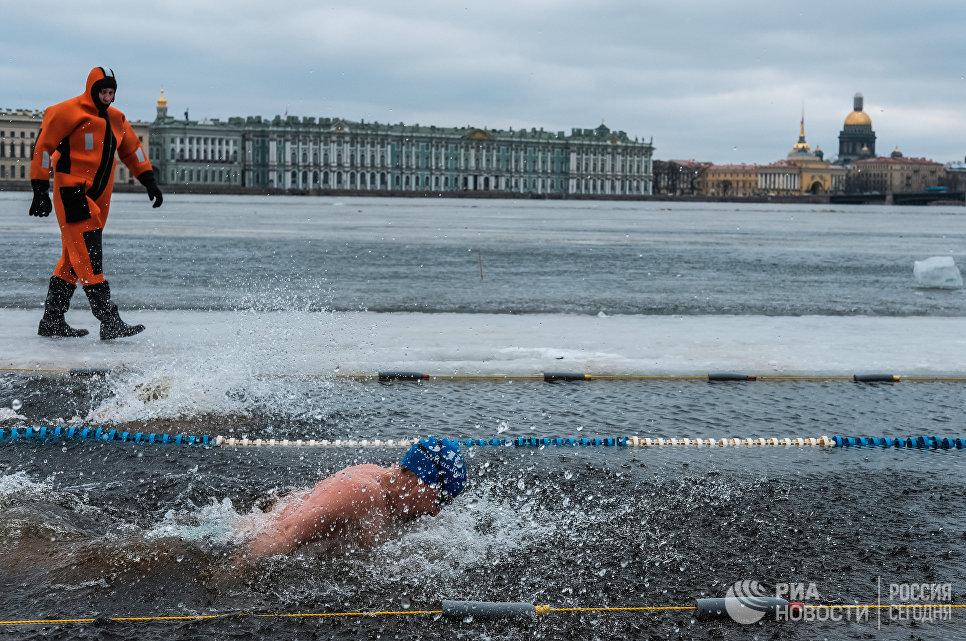 Фестиваль зимнего плавания в Санкт-Петербурге