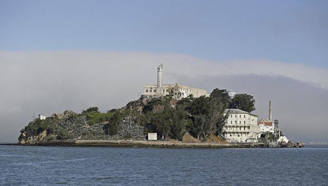 Вид на тюрьму Алькатрас