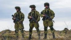 Военнослужащие вооруженных сил России в Крыму. Архивное фото