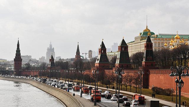 Кремлевская набережная и Московский Кремль. Архивное фото