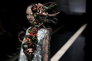Показ дизайнеров Viviano Sue и Misa Ii в рамках Tokyo Fashion Week