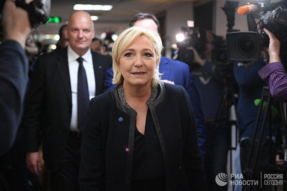 Кандидат в президенты Франции Марин Ле Пен в Госдуме РФ. 24 марта 2017