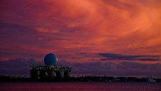 Плавучий радиолокационный комплекс SBX (Sea Based X-Band) в Перл-Харбор