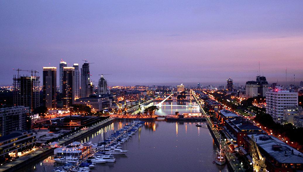 Аргентина произведет в понедельник крупнейшую выплату по облигациям