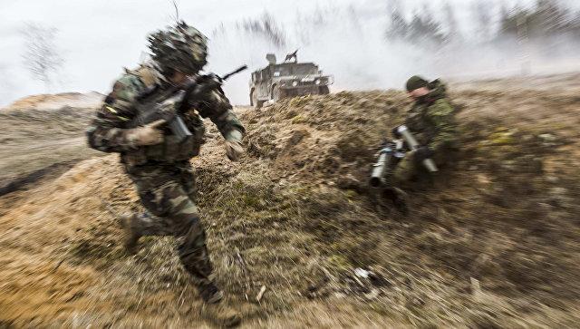 Военнослужащие литовской армии во время учений. Архивное фото