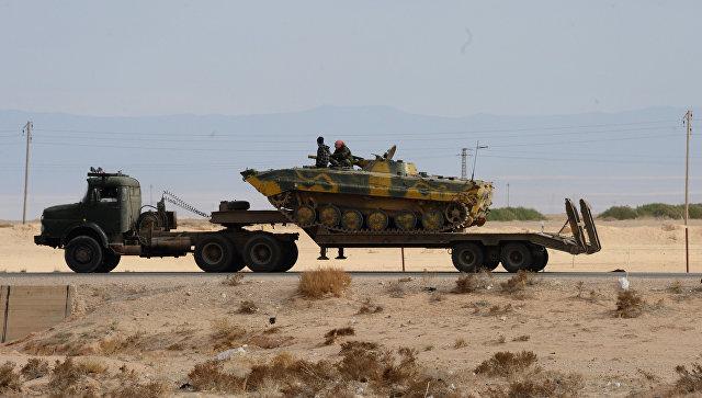 Военная техника на дороге к Пальмире. Архивное фото