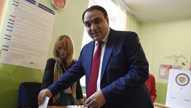 Экзитполы: навыборах вАрмении лидирует правящая партия
