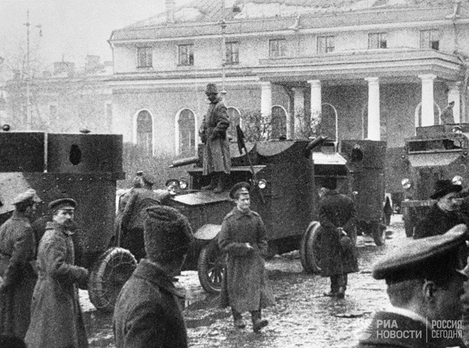 Октябрьские дни в Петрограде