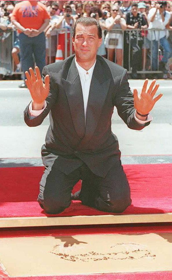 Американский актер Стивен Сигал в Голливуде