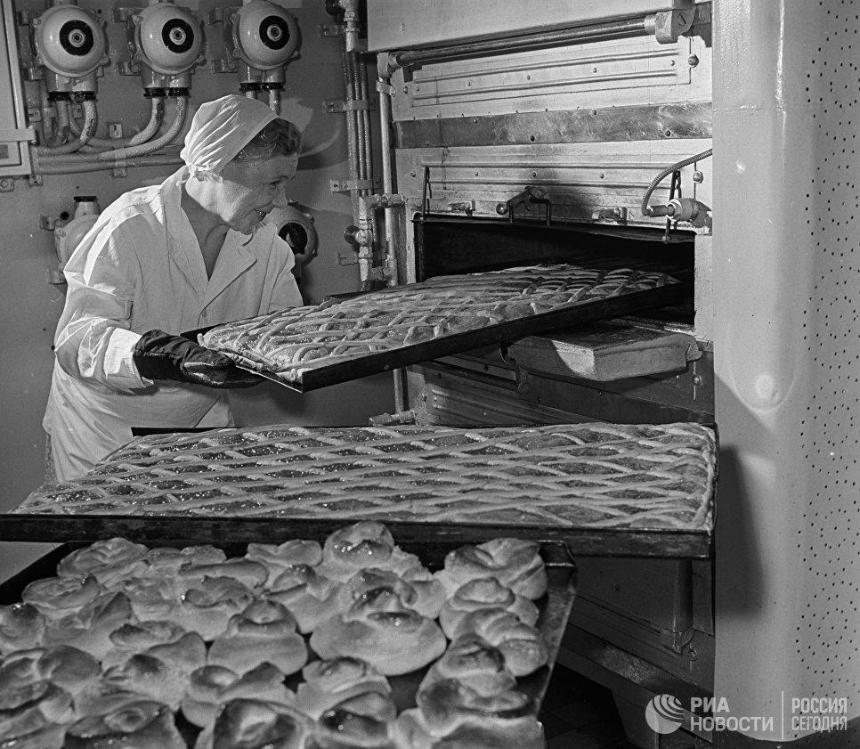На кухне атомохода Ленин