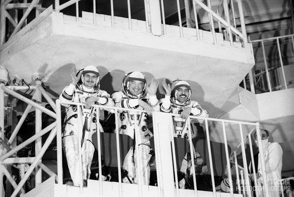 Члены советско-индийского космического экипажа
