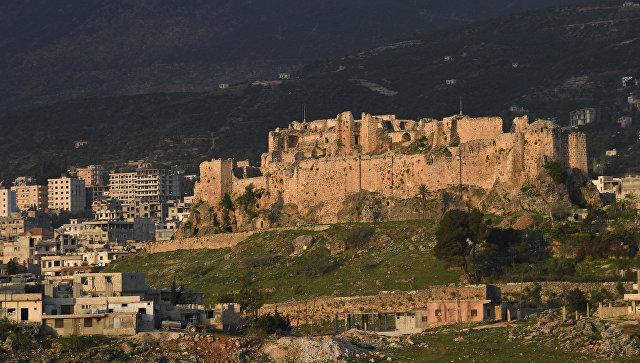 Местность по дороге из Хамы в Тишрин в Сирии. Архивное фото