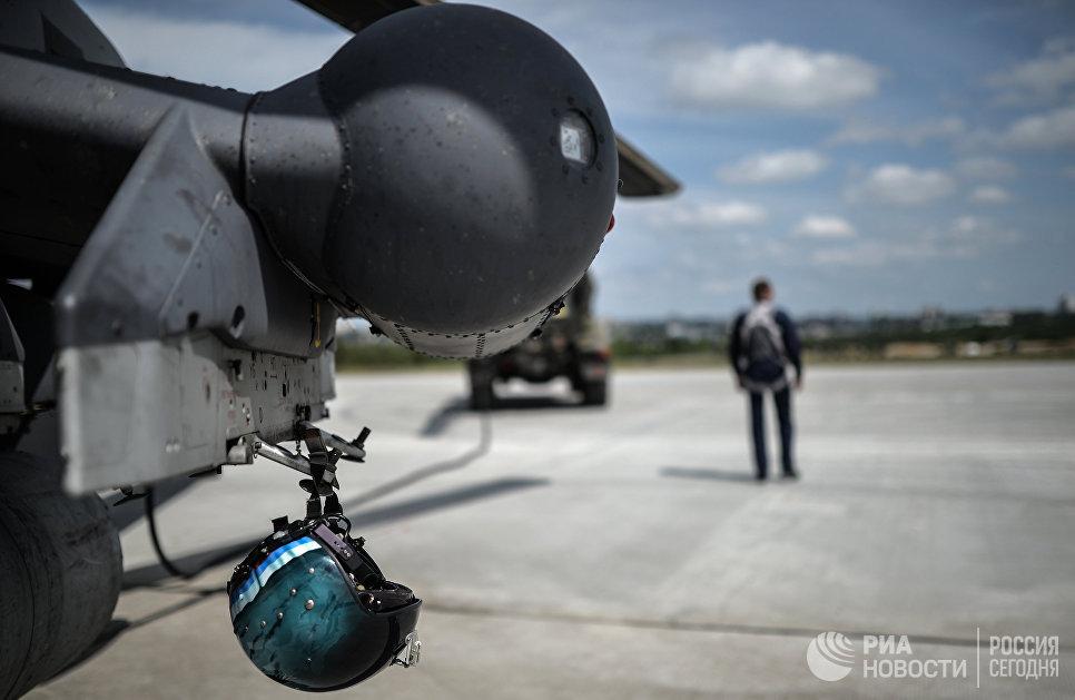Вертолет Ми-28 пилотажной группы Беркуты на всероссийском этапе международного конкурса Авиадартс-2015 в Воронеже