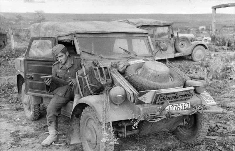Немецкий военный автомобиль Kubelwagen. 1943 год