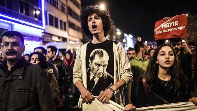 В Турции задержали редактора сайта, усомнившегося в результатах референдума