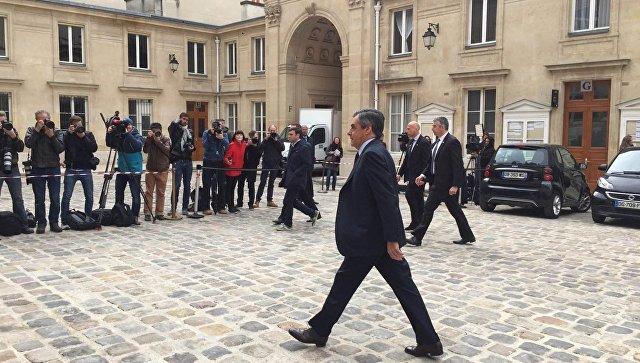 Супруга кандидата впрезиденты Франции Фийона отдала голос вдали отмужа