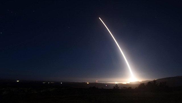 США испытают межконтинентальную ракету для показа ядерных возможностей